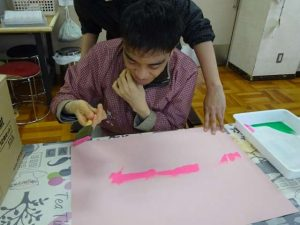 彰宏さんの絵日記No.16 こいのぼりを作りました